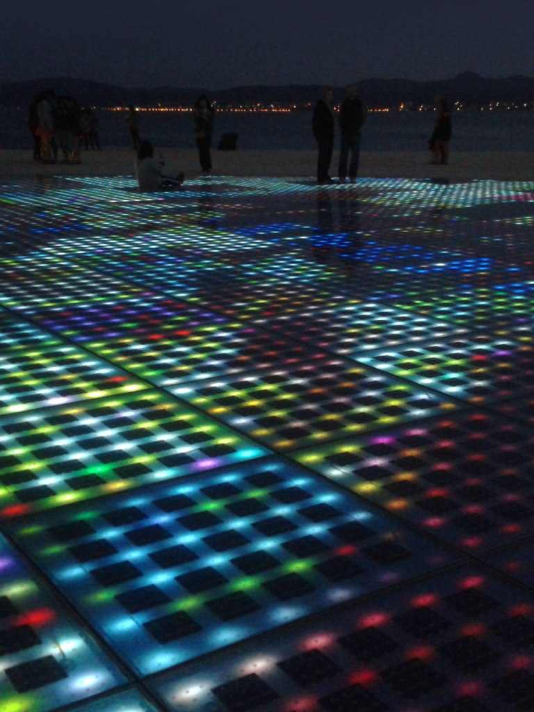 zadar-greeting-to-the-sun-at-night