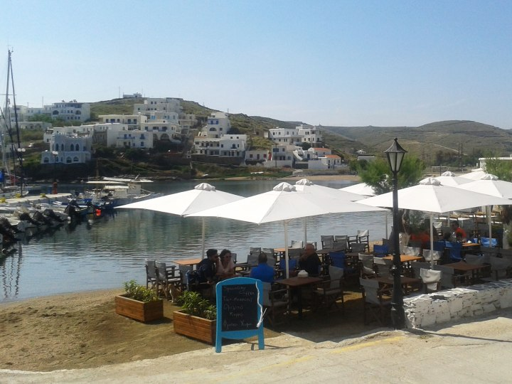 cyclades-kythnos-travelinpatterns-loutra-coffee-terrace