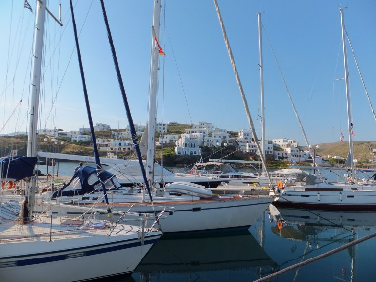 cyclades-kythnos-travelinpatterns-loutra-yachts